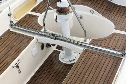 sirena-38_sailing-boat_walnut-black3